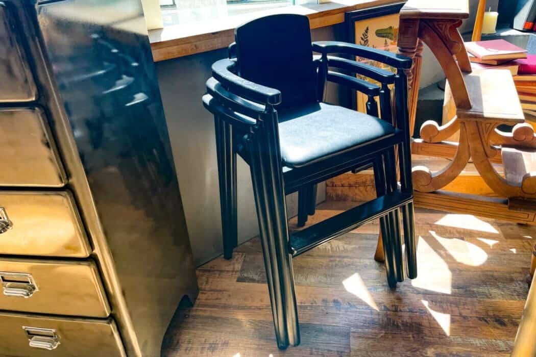 梟書茶房 子供椅子