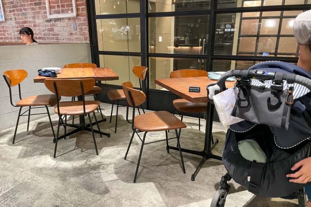 ESPRESSO D WORKS 池袋 テーブル席