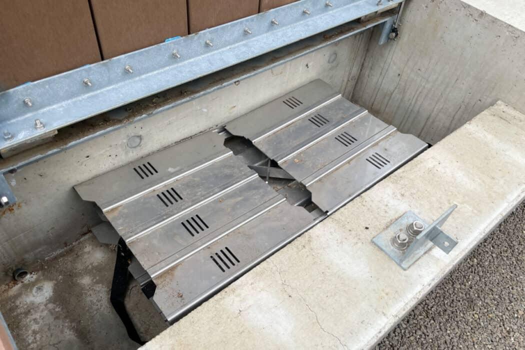 イケ・サンパーク 防災設備 かまどベンチ2